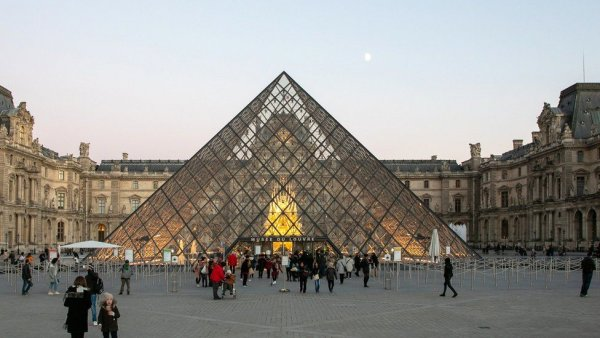 Unmissable Sights To See While At The Louvre